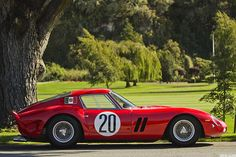 Ferrari 250 GTO - This car must be seen to be appericiated it's curves are unreal!