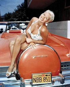 Star Jane Mansfield and her Lincoln Cabriole