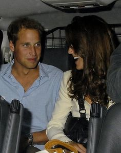 Prince William and Kate Middleton look happy and loved-up after partying the night away at a London nightclub in Prince William And Catherine, William Kate, Duke And Duchess, Duchess Of Cambridge, Princesa Kate Middleton, Kate Middleton Outfits, Royal Life, Princesa Diana, Celebrity Couples