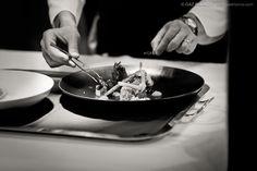 La mostra, Mani di chef, raccontano la carriera di questo giovane chef che interpreta la cucina come una miriade di piaceri per il palato.http://www.sfilate.it/225984/mani-chef-mostra-sui-piaceri-palato