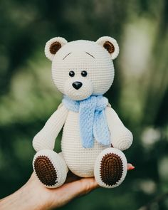 All free amigurumi crochet patterns and tutorials. Crochet Patterns Amigurumi, Amigurumi Doll, Crochet Dolls, Knitted Dolls, Crochet Stitches, Easy Knitting Projects, Crochet Projects, Crochet Teddy Bear Pattern, Knitted Teddy Bear