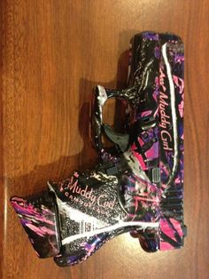 My Walther P22 would look Great in Muddy Girl camo!!  I'd rather not have the logo so big though.