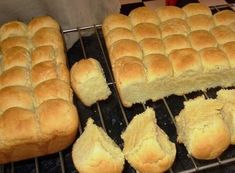 Buttermilk rusks with self raising, as opposed to yeast. I prefer yeast, but this might be much quicker for a busy weeknight. Buttermilk Rusks, Buttermilk Recipes, Homemade Buttermilk, Homemade Donuts, Easy Chicken Dinner Recipes, Easy Meals, Kos, Rusk Recipe, Recipe Box