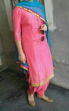 Patiala Suit Designs, Salwar Designs, Kurta Designs Women, Kurti Designs Party Wear, Mehndi Designs, Punjabi Suits Designer Boutique, Indian Designer Suits, Indian Suits, Indian Attire