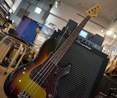 Olinto by La Bella 4-String Bass/3TS AMPEG Heritage B-15N  http://www.chuya-online.com/products/92415/index.html http://www.chuya-online.com/products/85728/index.html