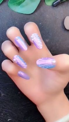 Looking for some cool DIY Nail Art ideas? Our awesome list of nail art tutorials are not impossible to do at home. That'll convince you that you don't actually Nail Art Designs Videos, Nail Art Videos, Diy Nail Designs, Awesome Nail Designs, Nail Art For Kids, Cool Nail Art, Tie Dye Nails, Diy Acrylic Nails, Pearl Nails