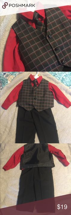 ✨new listing✨boys 4 piece dressy outfit In excellent condition, smoke free home Matching Sets