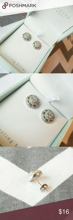 Contessa Di Capri Sterling Silver Studs NIB Vintage inspired flower design 925 sterling silver studs by Contessa Di Capri. NIB. Dress up or dress down! Slight defect in alignment of one of the studs (see picture). No Paypal, please. Feel free to make an offer! BUNDLE AND SAVE 💕 Jewelry Earrings