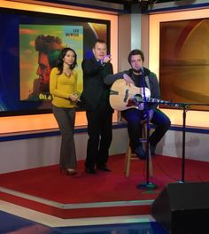 """#AmericanIdol season 9 winner @LeeDeWyze came by #GoodDay this morning and preformed his song """"Oil and Water"""" #Fox29 Feb. 15/16"""