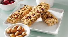 Get the facts on the granola recall issued by Kashi, Nature Valley and Clif Bars, due to a potential listeria outbreak. Granola Barre, Whole Nut, Snacks Online, Cereal Mix, Chewy Granola Bars, Clif Bars, Fruit Diet, Snacks Saludables, Happy Foods