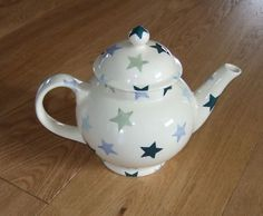 Winter Stars 4 Cup Teapot 2003 (Discontinued)
