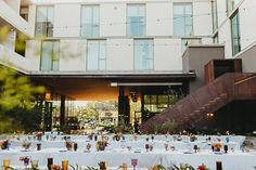 Host a wedding as unique as South Austin at South Congress Hotel. Pictured: wedding reception seated dinner in the outdoor courtyard Wedding Reception Seating, Wedding Dinner, Hotel Wedding, Dream Wedding, Austin Hotels, Lush Garden, Rehearsal Dinners, Unique Weddings, Indoor Outdoor