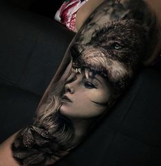 She loves me not,loves me not 🖤 Full Sleeve Tattoos, Top Tattoos, Life Tattoos, Wolf Tattoo Design, Tattoo Designs, Tattoo Ideas, Animal Tattoos For Men, Beautiful Wolves, Tattoed Girls