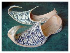 Vintage Arabian Nights Aladdin Slippers ShoesSize by oldsilkroute, $89.00