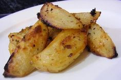 Greek Potatoes, Yummy Food, Tasty, Oven Roast, Roasted Potatoes, Greek Recipes, Recipe Collection, Potato Recipes, Cooking Recipes