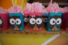 kids owl birthday party theme -Soooo cute-Katie, would be cute for Reagan! Owl Themed Parties, Owl Parties, Owl Birthday Parties, Birthday Ideas, Owl 1st Birthdays, Baby Girl First Birthday, 2nd Birthday, Party Favor Bags, Goody Bags