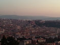 Casa Vacanze Molino8 - Ghega, Trieste - Tel. 320-3030941 & 340-7042896: Conferenza al Teatro Verdi.