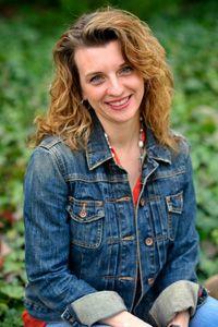 A Conversation with Mystery Author Larissa Reinhart
