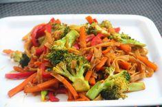 Kuchnia w wersji light: Warzywny stir-fry z makaronem ryżowym