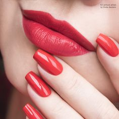 Collectors take note, here's your list of retired nail polish. Pink Lipsticks, Lipstick Shades, Red Nails, White Nails, Nail Paint Shades, Nail Polish, Red Lip Makeup, Trendy Nail Art, Elegant Nails