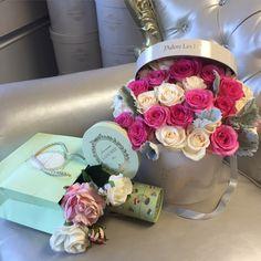 Ladurée, Paris, France, J'Adore Les Fleurs, Bouquet, Roses, Elegant Flowers, Hatbox, Flower