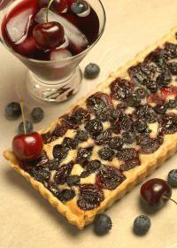 Berry cherry sangria & tart Blauwe bessen en kersen sangria en taart