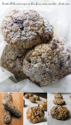 Biscotti all'olio con farina di farro, fiocchi di avena, cioccolato e frutta secca
