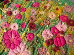 campo fiorito in lana cardata