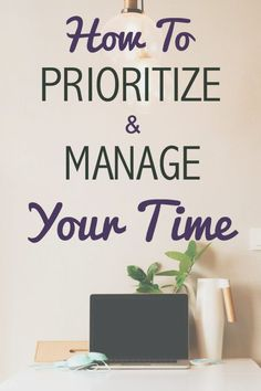 How to get your prioritize in order and manage your time! Stay organized and motivated in the New Year. More at anthropolojay.com