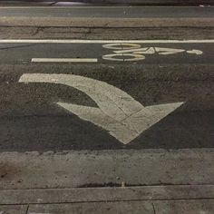#Oakland #errantarrows #cement #concrete #asphaltart #lineart #parkinglot #urban #urbanart #urbanarcheology #pavement #hardscape #streetart #modern #modernist #accidentalart #abstractart #abstract #art  #lookdown #unintentionalart #unexpectedart #learnminimalism #minimalist #minimal #arrow #asphaltography #lane #roadart