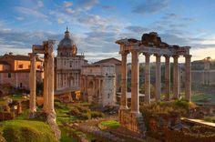 Ausflüge und Trips in und um Rom - Die ewige Stadt Rom (Civitavecchia) zu entdecken, ist wie eine Reise zurück in das römische Reich. Auf zahlreichen Landausflügen ist es Kreuzfahrt - Urlaubern möglich diese antike Stadt auf verschiedenen Wegen zu erleben.