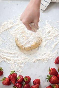 Receta De La Semana: Tartaleta De Frutillas – Cut & Paste – Blog de Moda Camembert Cheese, Strawberry, Food, Fruit, Recipes, Woman, Life, Style, Meal