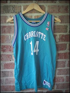 Vintage 90 s NBA Champion Anthony Mason Charlotte Hornets Basketball Jersey  - Size Medium 8b6c2832c