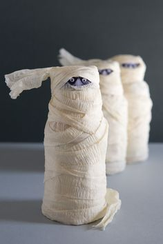 Mummy wrapped drinks. Here is a cute idea for a Halloween party or to send with your child in their lunch. I think this would be a perfect Halloween treat for a small preschool class