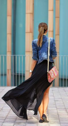 María Alejandra Gallart Vall is wearing a dress from Mart of China, jacket from Zara, shoes from Zara and a bag from H&M
