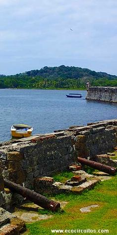 Spanish Fortifications at Portobelo, Panama. These walls saw attacks from Sir Francis Drake and Captain Morgan during the days of the conquistadores... www.ecocircuitos.com