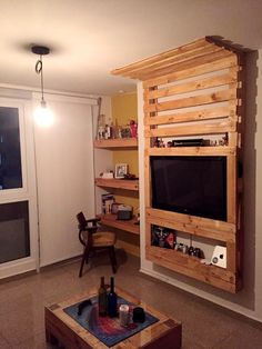 Pallet Media Wall / Entertainment Center | 99 Pallets