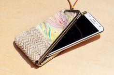剛剛逛 Pinkoi,看到這個推薦給你:限量一件 手工拼布手機包 / 手機套 / 零錢包 / 悠遊卡套 / 口金包 / 口金手機套  - 渲染海洋 手染水彩帆布 + 棉麻 - https://www.pinkoi.com/product/YVFdARCz?utm_source=Android&utm_medium=share&utm_campaign=Pinterest