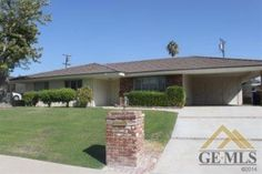 3607 Country Club Dr, Bakersfield, CA 93306