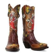 I love cowboy boots and I love skulls... perfect combo