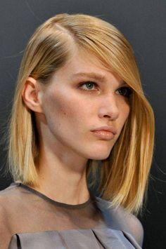 Η νέα τάση : Δειτε τα χτενίσματα για καρέ μαλλιά…! | Anonymoi.gr