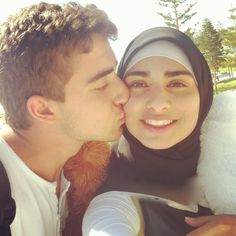 hindu girl dating muslim boy 26220: marrying a hindu girl who wants to become muslim she and i want to marry, and she wants to learn more about islam and convert after her also, since she is the only child of her parents, she still wants to have,.