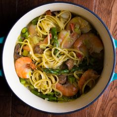 One Pot Shrimp Linguine with Spring Vegetables | sweetpeasandsaffron.com @sweetpeasaffron