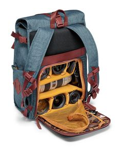 The National Geographic Australia camera and laptop backpack for DSLR/CSC keeps your photography gear safe. The combination of materials used is inspired by the red and blue of Australia's outback and seas. It is designed with careful attention to detail and premium materials: earthy-red, genuine Italian leather and water-repellent fabrics evoking Australian scenery and colours. On the inside, the bags feature a colourful eucalyptus-leaf print lining reminiscent of Australia's typ...