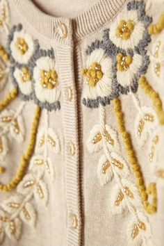 Retro Embroidery Ideas Fanned Vines Cardigan // In neutral, granny-chic. - Fanned Vines Cardigan // In neutral, granny-chic. 28 Trendy Outfits To Update You Wardrobe This Summer – Fanned Vines Cardigan // In neutral, granny-chic. Embroidery On Clothes, Hand Work Embroidery, Embroidered Clothes, Floral Embroidery, Beaded Embroidery, Cross Stitch Embroidery, Embroidery Designs, Vintage Embroidery, Embroidery Techniques