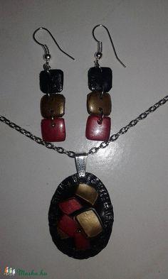 Egyedi PET flakonból sütött fekete-arany-piros fülbevaló + medál, Ékszer, óra, Fülbevaló, Ékszerszett, Medál, Meska Petra, Jewelery, Drop Earrings, Bottle, Handmade, Ideas, Fashion, Jewelry, Moda