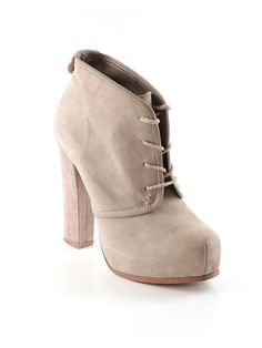 Check it out - Steve Madden Ankle Boots for $19.49 on thredUP.com!! and if you buy from the link I get 10$ and so do you it's a win win :)