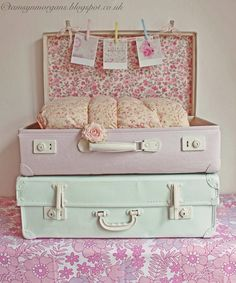 The Villa on Mount Pleasant. Shabby Chic vintage suitcase and picture display. Shabby Chic Bedrooms, Shabby Chic Cottage, Shabby Chic Homes, Shabby Chic Furniture, Vintage Furniture, Painted Furniture, Country Furniture, Country Decor, Plywood Furniture