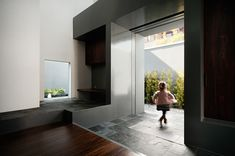 form: kouichi kimura architects / house of inclusion, shiga 内包する家