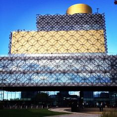 Birmingham's new library: designed by architects Macanoo, the library has transformed the city's library services. It holds over 400,000 books, therefore there's only one thing for it.. Let's get reading!